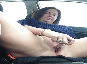Mature amateur squirting pussy