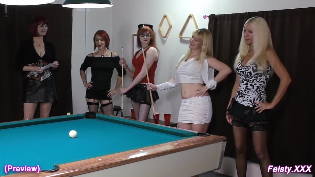 Naked pool table stickam
