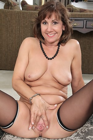 Mature cleaning nude
