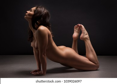 Female athletes nude at home