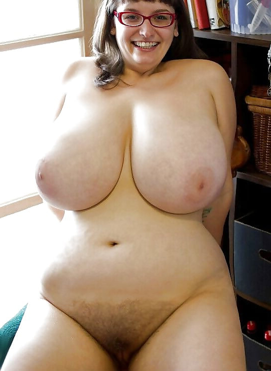 Hot nude busty mature
