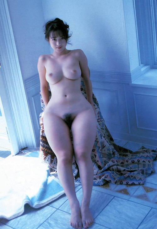Nude pics of wide asian hips
